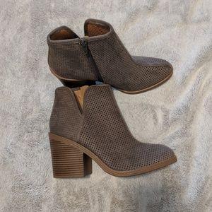 NWOT gray heeled booties Steve Madden